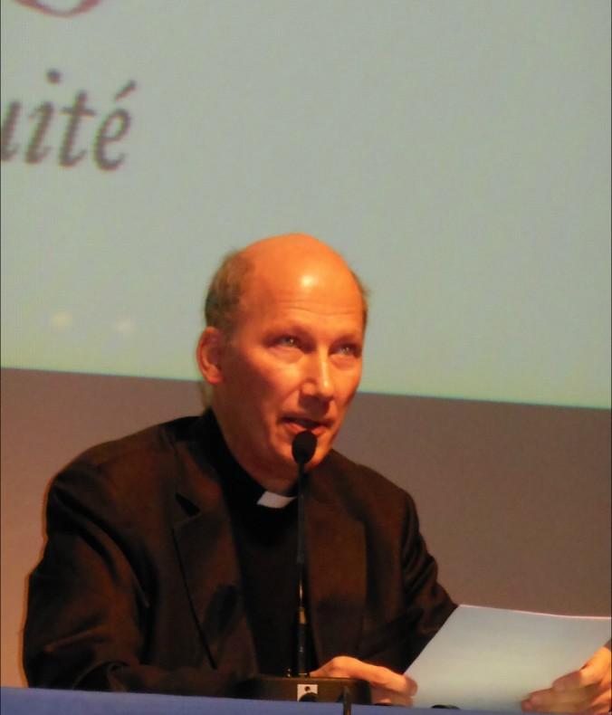 Monseigneur Pierre d'Ornellas, pendant sa contribution