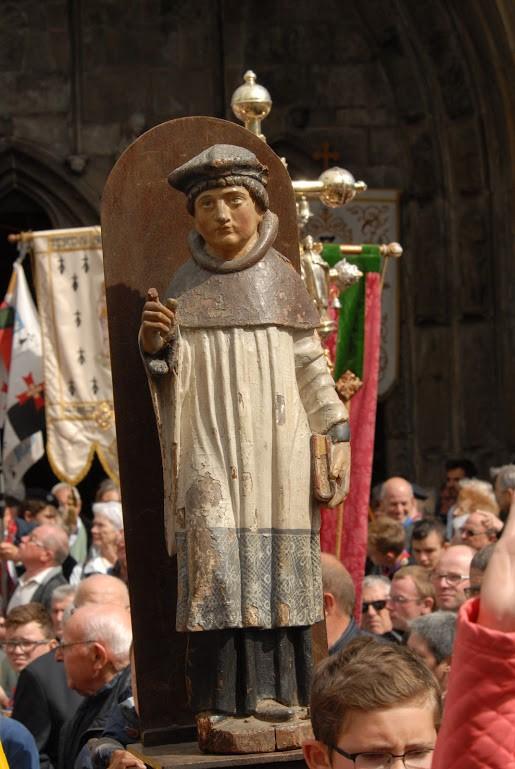 Statue de saint Yves